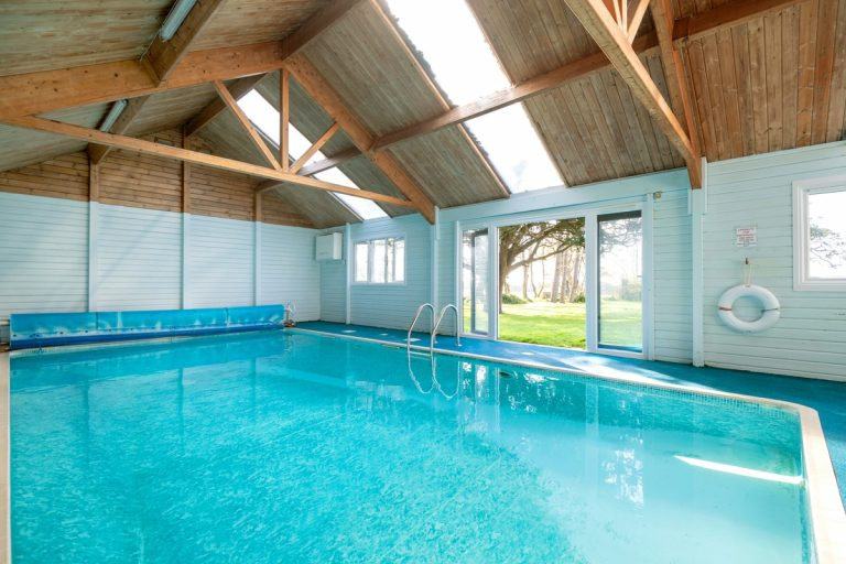 Holiday accommodation with swimming pool in Wales | Llanfendigaid