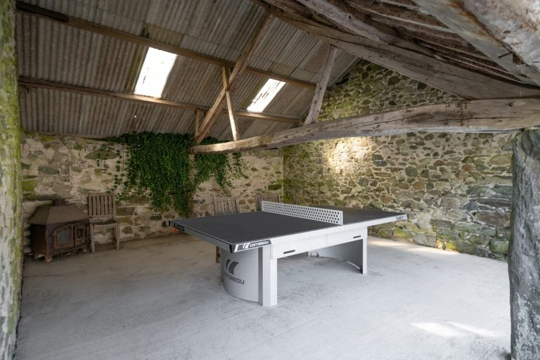 Holiday cottages with table tennis in Wales | Llanfendigaid