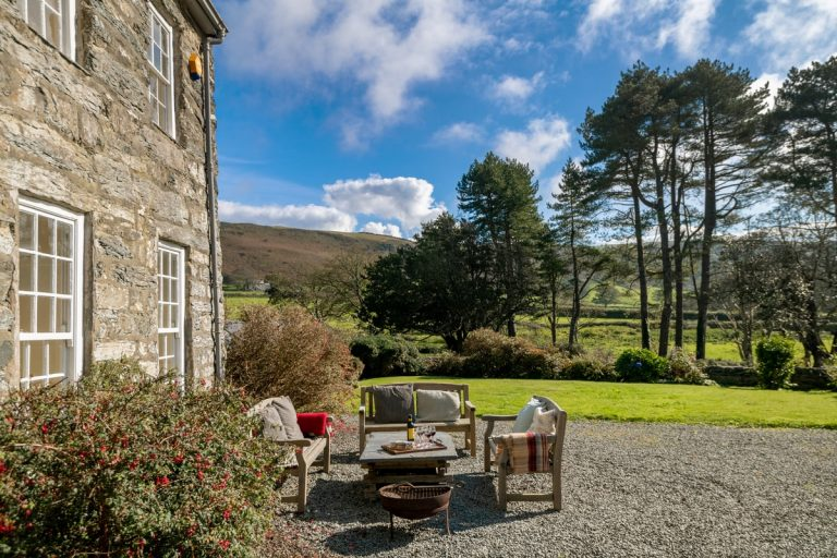 Holiday house on private estate in Snowdonia | Llanfendigaid